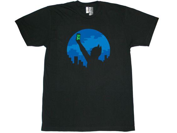 BAT SIGNAL T-Shirt N28AR